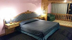Queensize-Bett im Lotus Pang Suan Kaew Hotel in Chiang Mai