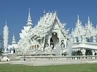 Ein Traum in Weiß – die Tempelanlage Wat Rong Khun