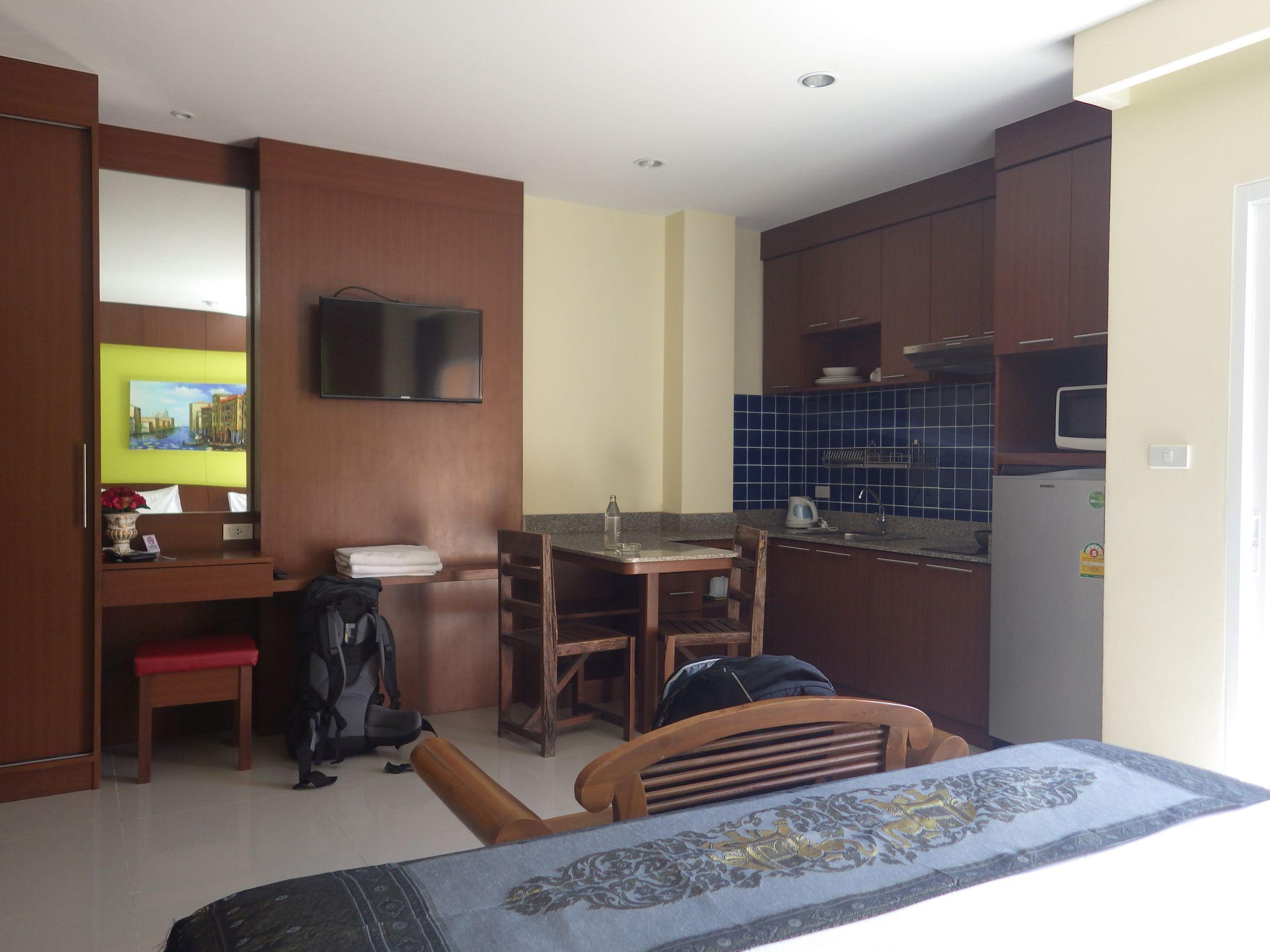 Baan Sudarat Hotel Zimmer mit Küche