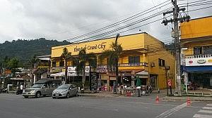 Außenansicht des Khao Lak Grand City Hotels