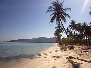 Einsamer Strand auf der Insel Koh Yao Yai in Thailand