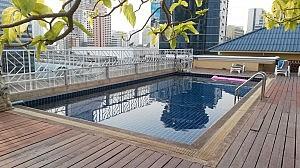 Swimmingpool des King Royal Garden Inn Hotels